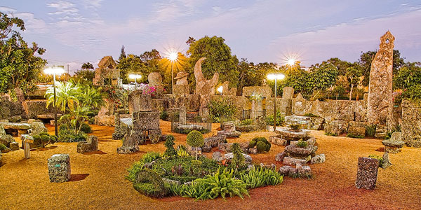 http://coralcastle.com/wp-content/gallery/castle-at-night/Night1.jpg
